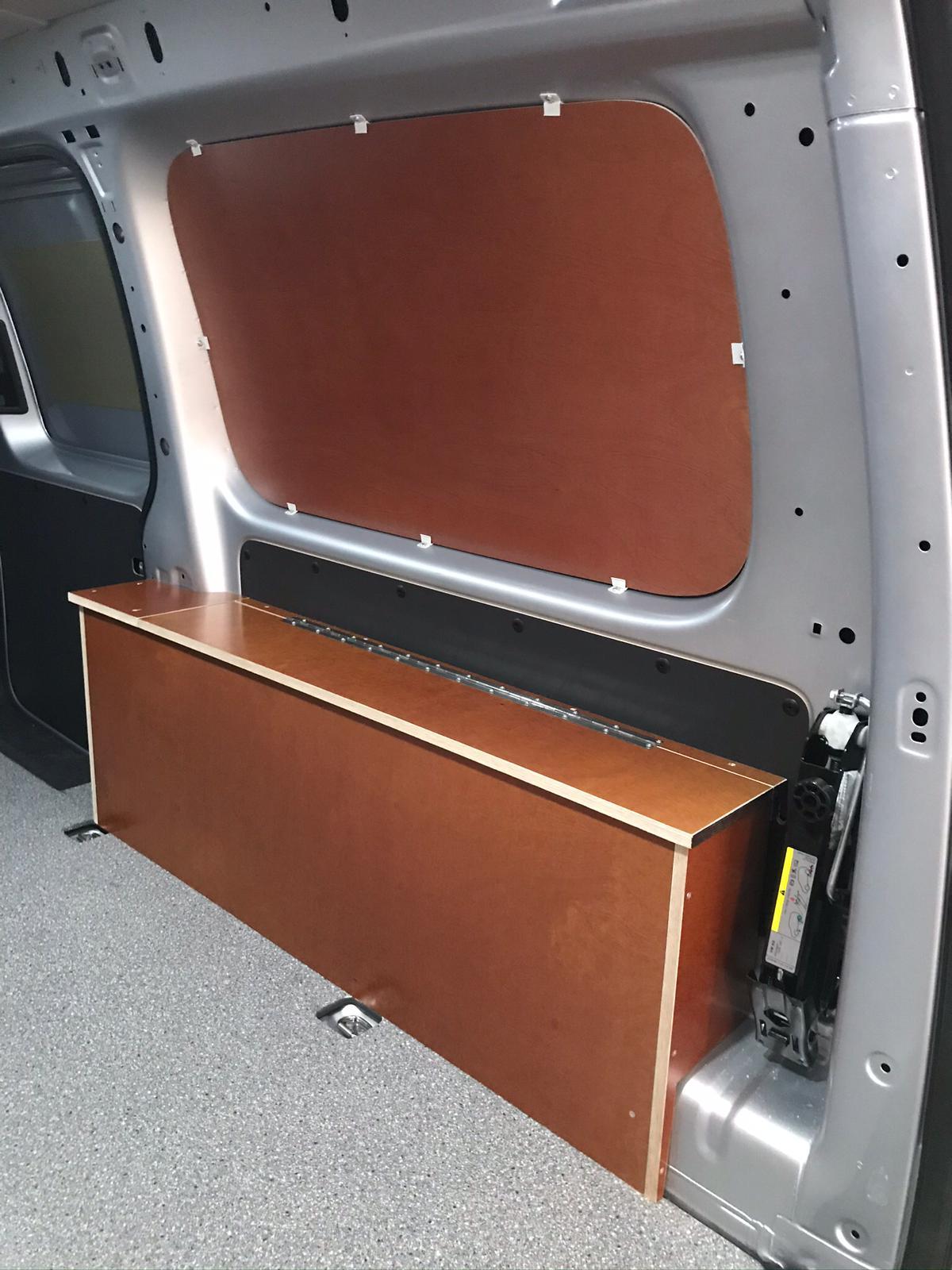 Volkswagen Caddy opbergvakken en aansluiting koelkast